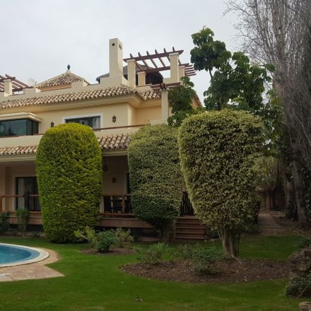Rent this 1 bed room on Calle Pablo Picasso in 29670 Marbella, Málaga