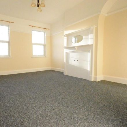 Rent this 4 bed apartment on Ocean Breeze Fish Bar in 30 Green Lane, London CR7 8BB
