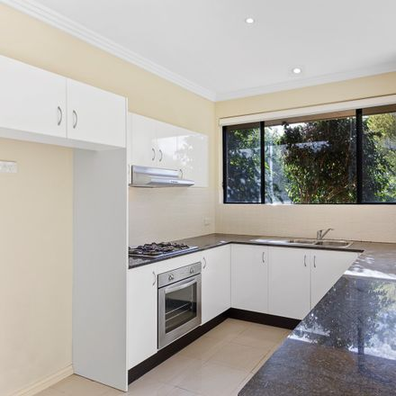 Rent this 2 bed apartment on 5/7 Sybil Street