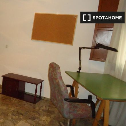 Rent this 3 bed room on Santander Bank in Calle Antonio Maura, 14005 Cordova