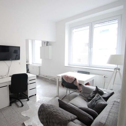 Rent this 2 bed apartment on 50668