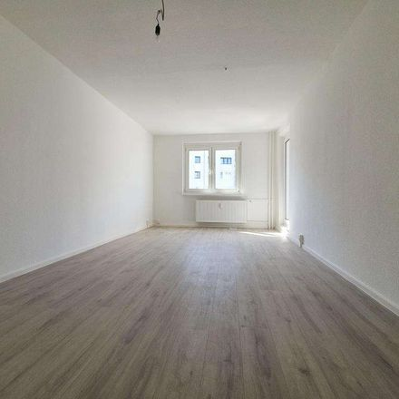 Rent this 3 bed apartment on Bruchstraße 16 in 39288 Burg, Germany