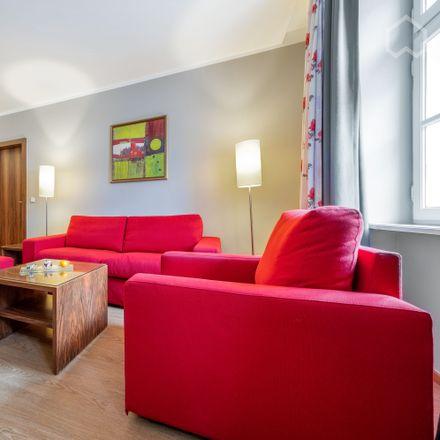 Rent this 1 bed apartment on Kleines Max in Hochbrückenstraße 18, 80539 Munich