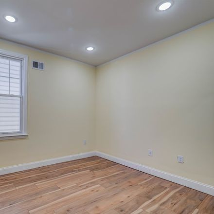Rent this 4 bed apartment on 41 East 40th Street in Bayonne, NJ 07002