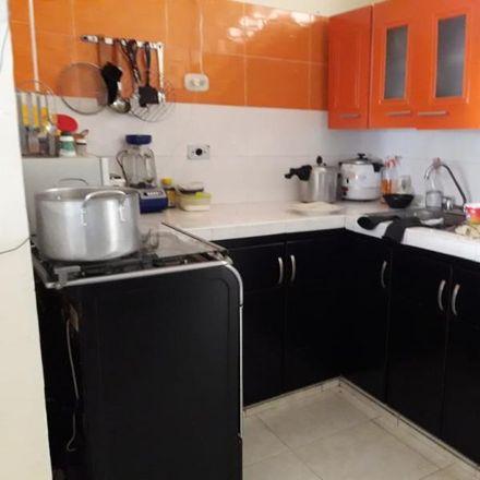 Rent this 4 bed apartment on Carrera 28 in La Clarita, Comuna San José