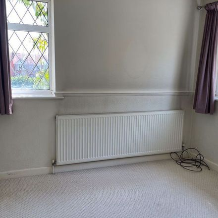 Rent this 3 bed apartment on Dunchurch Highway in Coventry, CV4 9EL