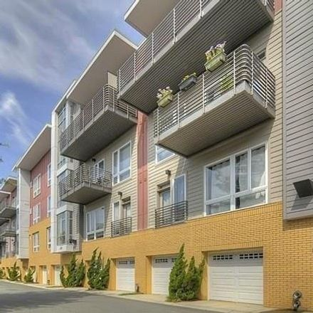 Rent this 1 bed condo on 2200 Lyndhurst Avenue in Charlotte, NC 28203