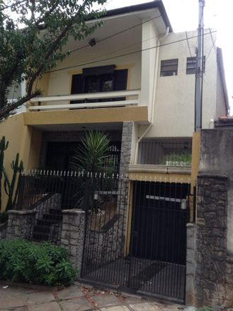 Rent this 2 bed house on São Paulo in Cambuci, SP