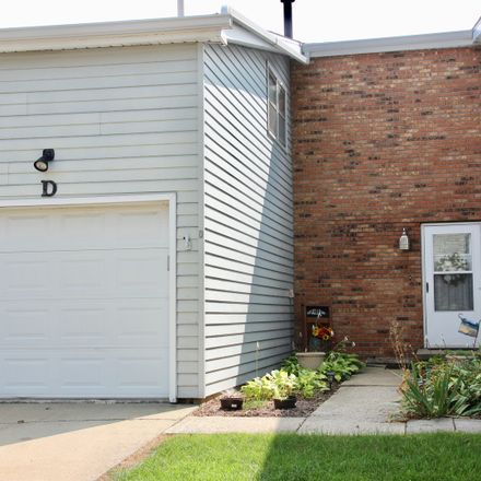 Rent this 3 bed townhouse on 1532 Hunt Drive in Normal, IL 61761