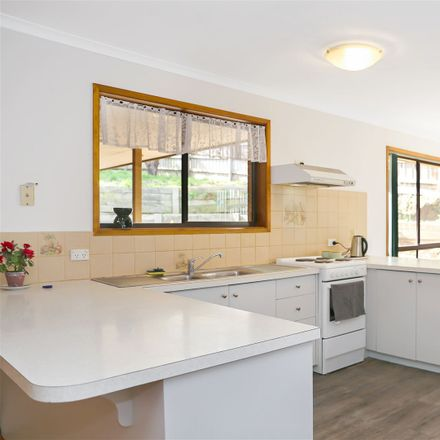 Rent this 3 bed house on Leongatha