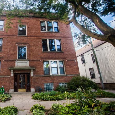 Rent this 2 bed condo on 1737-1739 West Summerdale Avenue in Chicago, IL 60640