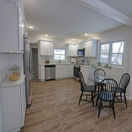 Rent this 3 bed house on 99 Beaufort Place in Perinton, NY 14445