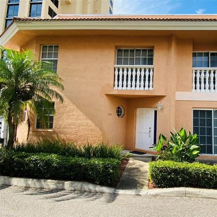 Rent this 2 bed townhouse on 912 North Shore Drive Northeast in Saint Petersburg, FL 33701