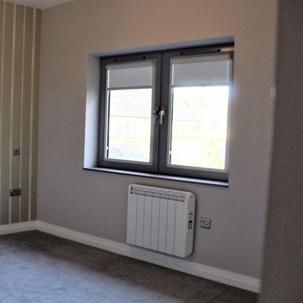 Rent this 2 bed apartment on Larchmont in Bradford BD14 6AA, United Kingdom