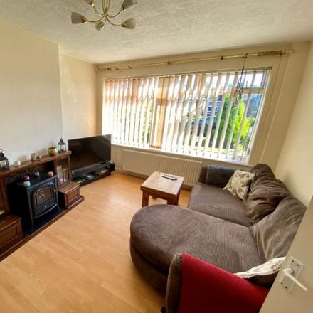 Rent this 3 bed house on Linden Drive in Latham Avenue, Helsby