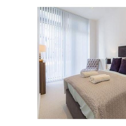 Rent this 2 bed apartment on The Crescent in 2 Deptford Bridge, London SE8 4HJ