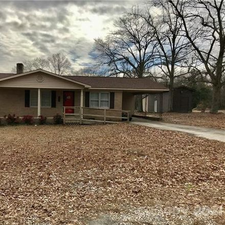 Rent this 3 bed house on Wheat St in Kershaw, SC