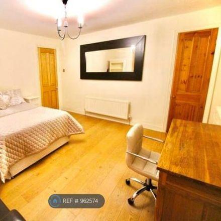 Rent this 1 bed room on West Jesmond Primary School in Tankerville Terrace, Newcastle upon Tyne NE2 3AJ