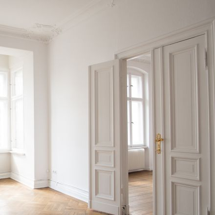 Rent this 4 bed apartment on Spandauer Damm 56 in 14059 Berlin, Germany