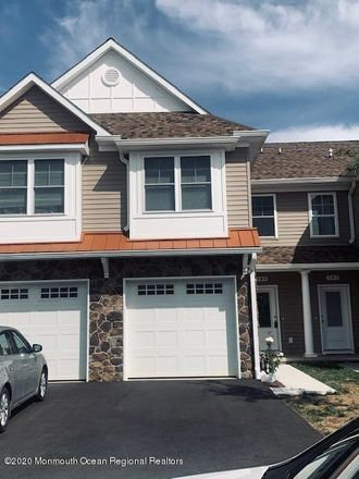 Rent this 3 bed apartment on 191 Chingarora Avenue in Keyport, NJ 07735