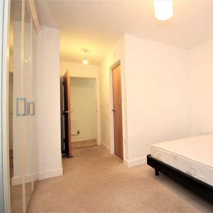 Rent this 2 bed apartment on Proton Tower in 8 Blackwall Way, London E14 9GN