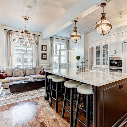 Rent this 3 bed apartment on Old Montreal in Montreal, QC H2Y 2V1