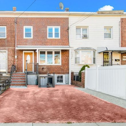 Rent this 3 bed house on 251 Swinton Avenue in New York, NY 10465