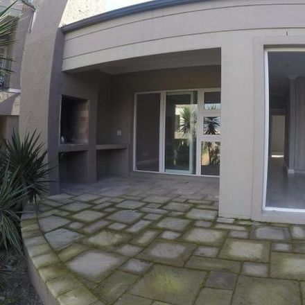 Rent this 3 bed townhouse on Zandberg Street in Cape Town Ward 8, Brackenfell