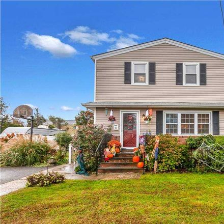 Rent this 5 bed house on 46 Bedell Street in North Lindenhurst, NY 11757
