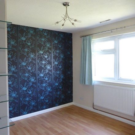 Rent this 2 bed house on Hillside Close in Banstead SM7 1ET, United Kingdom