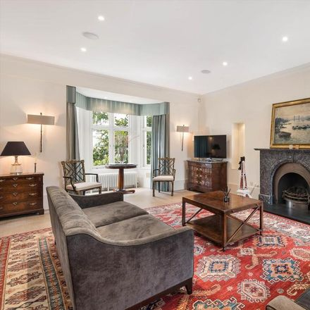 Rent this 5 bed house on 25 Victoria Road in London W8 5RF, United Kingdom