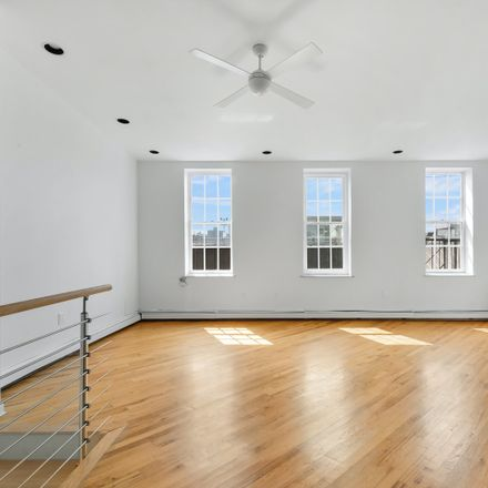 Rent this 4 bed condo on 252 Front Street in New York, NY 10038
