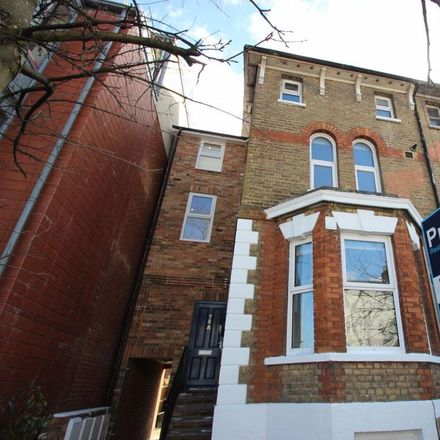 Rent this 1 bed apartment on PEMBROKE-LODGE in St Clements Street, Oxford OX4 1YS