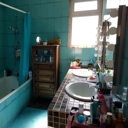 Rent this 2 bed room on Rue Chevalier in 94210 Saint-Maur-des-Fossés, France