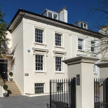 Rent this 6 bed house on 55 Queen's Grove in London NW8, United Kingdom