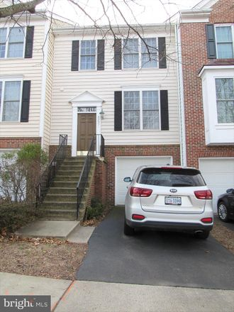 Rent this 3 bed townhouse on 43451 Parish St in Chantilly, VA