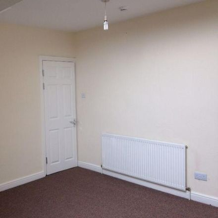 Rent this 5 bed room on Elford Grove in Leeds LS8 5QG, United Kingdom