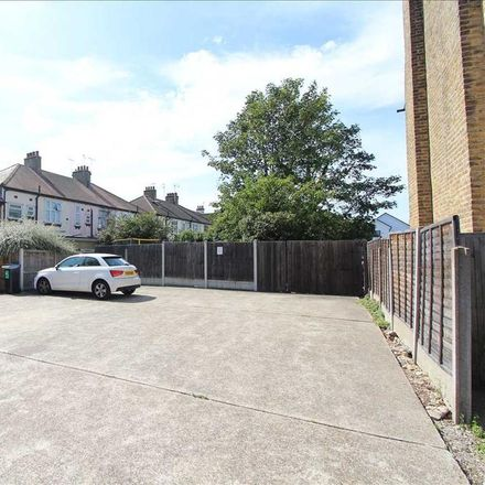Rent this 1 bed apartment on Leigh Elm Church in Glendale Gardens, Leigh on Sea SS9 2BA