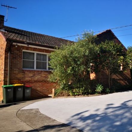 Rent this 3 bed house on 627 Mowbray Road