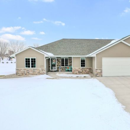 Rent this 5 bed house on River Forest Dr in Kaukauna, WI