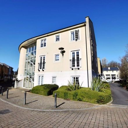 Rent this 3 bed apartment on 39 Lower Burlington Road in Bristol BS20 7BP, United Kingdom