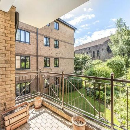 Rent this 2 bed apartment on Pardes House Primary School in Rectory Close, London N3 1TP