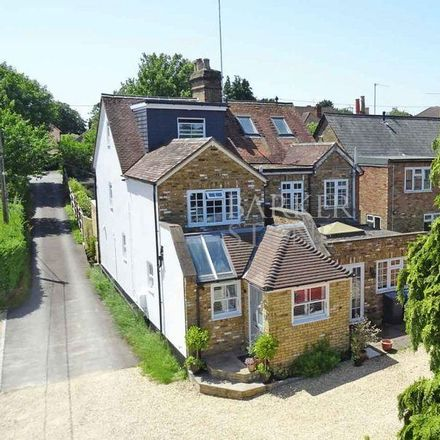 Rent this 3 bed house on Cookham Rise SL6 9JA