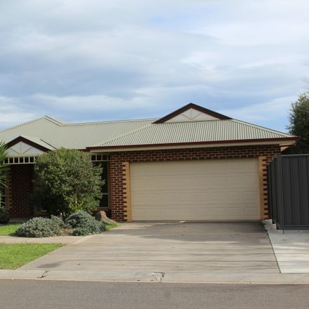 Rent this 4 bed house on 8 Woodburne Drive