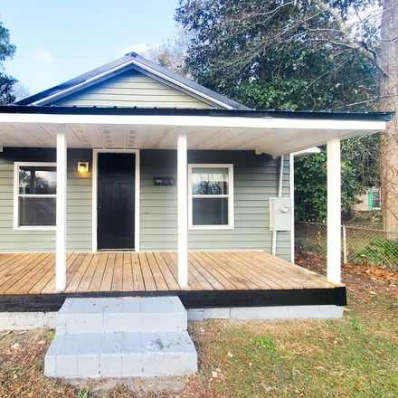 Rent this 3 bed house on E Nelson St in Mount Olive, NC