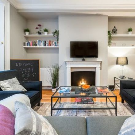Rent this 3 bed apartment on Westbourne Terrace Mews in London W2 6QG, United Kingdom