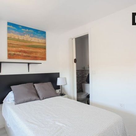Rent this 3 bed room on Carrer de Jeroni de Montsoriu in 46022 Valencia, Spain