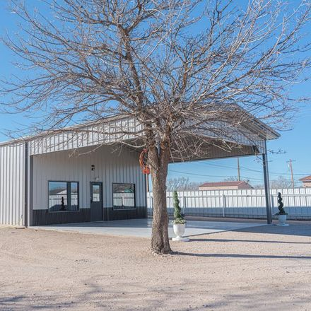 Rent this 2 bed house on 109 Southwest Avenue H in Seminole, TX 79360