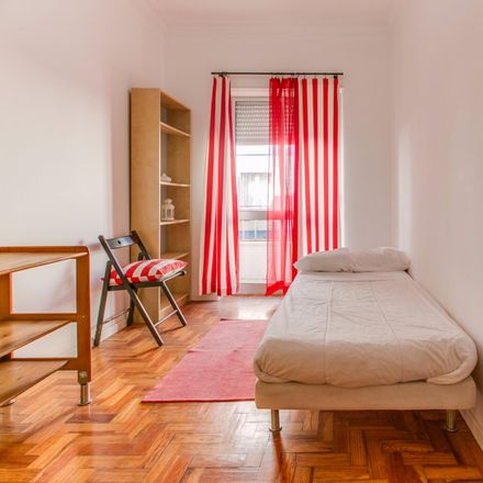 Rent this 2 bed room on Rua Doutor João Gomes Patacão in 1885-047 Moscavide e Portela, Portugal