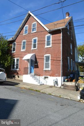 Rent this 3 bed loft on 117 Chestnut Street in Spring City, PA 19475